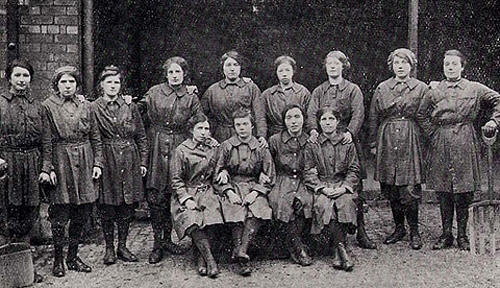 contributions of women in ww i Many historians argue that the first world war was a watershed for women in britain in reality, the development of women's political and economic rights between 1914 and 1918 was more complicated than such arguments allow some writers indeed contend that the emancipatory effects of the great war.